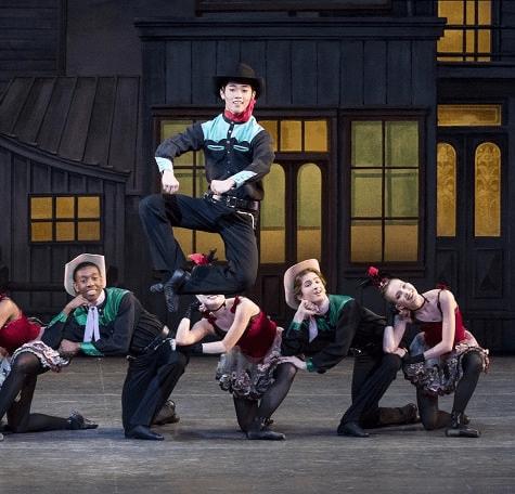 ニューヨーク・シティ・バレエ団の特徴。日本人ダンサーKJ-Takahashiさんが所属?